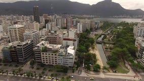 Vista aérea del distrito y de Leblon de Ipanema en día cubierto El sistema de cuadrados conocidos como el jardín de Alá