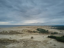 Vista aérea del escupitajo de Curonian imagenes de archivo