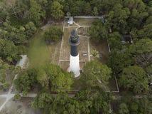 Vista aérea del faro de la isla de la caza en Carolina del Sur, los E.E.U.U. Imagen de archivo libre de regalías