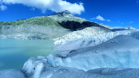 Vista aérea del fondo del calentamiento del planeta del paisaje del lago del hielo del glaciar almacen de metraje de vídeo