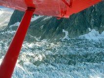 Vista aérea del glaciar aterronado en el monte McKinley en Alaska Foto de archivo