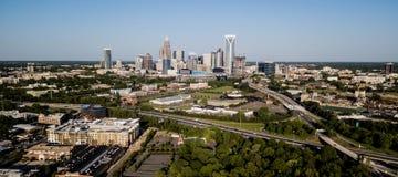 Vista aérea del horizonte céntrico de la ciudad de Charlotte North Carolina fotografía de archivo