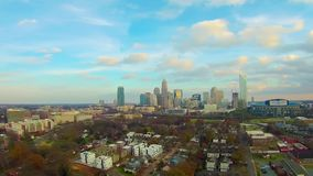 Vista aérea del horizonte de Charlotte NC almacen de video