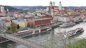 Vista aérea del horizonte de Passau, Alemania almacen de video