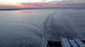 Vista aérea del horizonte industrial cerca del casco - Reino Unido almacen de metraje de vídeo