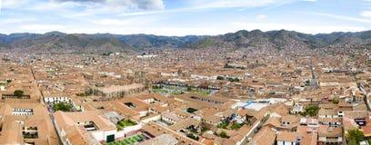 Vista aérea del horizonte principal de la plaza y de la ciudad del Cusco Plaza turística imagenes de archivo