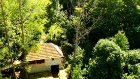 Vista aérea del manantial de Taor - Serbia almacen de video