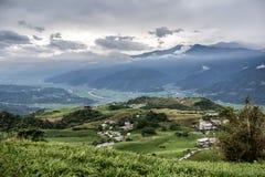 Vista aérea del paisaje escénico de la montaña en Taiwán imagenes de archivo