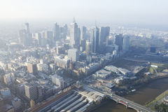 Vista aérea del paisaje urbano de Melbourne en la puesta del sol Fotografía de archivo libre de regalías