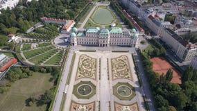 Vista aérea del palacio del belvedere vena viena Wien austria metrajes