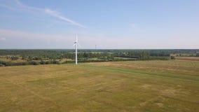 Vista aérea del parque eólico almacen de video