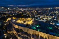Vista aérea del Parthenon y de la acrópolis en Atenas foto de archivo libre de regalías