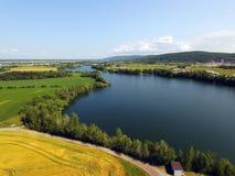 Vista aérea del pequeño lago Imagenes de archivo