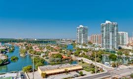Vista aérea del prope intracostero y de lujo de Miami Foto de archivo