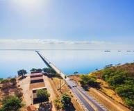 Vista aérea del puente de Helio Serejo en las fronteras entre el ms fotos de archivo libres de regalías