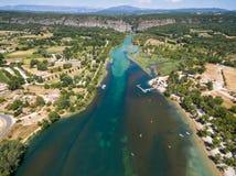 Vista aérea del río del cañón de Gorge du Verdon en Francia fotos de archivo