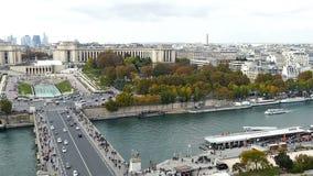 Vista aérea del río el Sena y Trocadero en París, Francia almacen de video