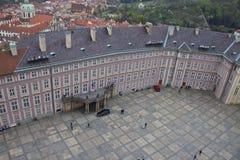 Vista aérea del tercer patio del castillo de Praga Foto de archivo libre de regalías