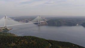 Vista aérea del tercer puente de Estambul metrajes