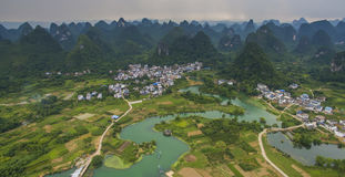 Vista aérea del villag en el condado de Yongshua Imágenes de archivo libres de regalías