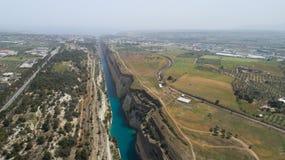 Vista aérea do canal famoso de Corinth do istmo, Peloponnese Imagem de Stock Royalty Free