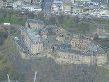 Vista aérea do castelo icônico de Edimburgo foto de stock