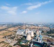 Vista aérea do central elétrica térmico imagem de stock