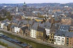 Vista aérea do centro e do rio históricos Meuse Namur imagens de stock royalty free