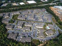 Vista aérea do condomínio suburbano no alpharetta do centro Geórgia imagens de stock royalty free