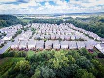 Vista aérea do condomínio suburbano no Estados Unidos do sul fotografia de stock