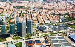 Vista aérea do distrito de Sants-Montjuic do helicóptero Barcelo fotografia de stock