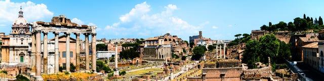 Vista aérea do fórum romano em Roma, Itália durante o dia ensolarado quente Marco popular Imagens de Stock