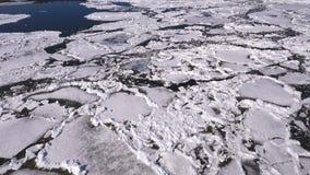 Vista aérea do lago congelado Gelo da opinião do zangão Conceito da textura do fundo filme