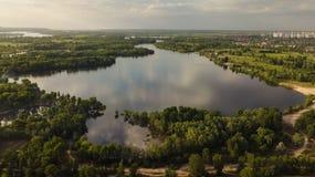Vista aérea do lago na cidade Mola imagem de stock royalty free