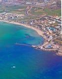 Vista aérea do oceano e dos Sandy Beach de turquesa Fotografia de Stock