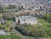 Vista aérea do palácio de Holyrood, em Edimburgo fotografia de stock