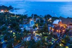 Vista aérea do parque da água do hotel grande da miragem Foto de Stock