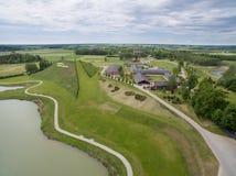 Vista aérea do parque da harmonia no ` Lituânia de Lituânia e das letras foto de stock