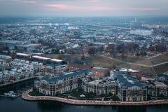 Vista aérea do porto interno e do monte federal, em Baltimore, fotos de stock royalty free