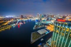 Vista aérea do porto interno na noite, em Baltimore, Maryland fotografia de stock royalty free