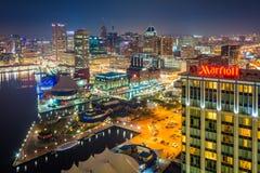 Vista aérea do porto interno na noite, em Baltimore, Maryland imagens de stock royalty free
