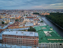 A vista aérea do rio de Fontanka e o verão jardinam, St Petersburg foto de stock