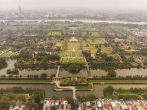 Vista aérea do túmulo de Vietname a Turquia Duc e de jardins reais antigos da Turquia Duc Emperor perto da matiz, Vietname Local  foto de stock royalty free