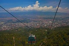 Vista aérea do teleférico na montanha de Vodno Foto de Stock Royalty Free