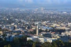 Vista aérea do terreno de Universidade da California imagem de stock royalty free