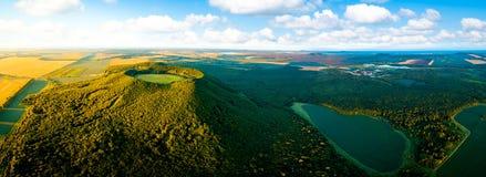 Vista aérea do vulcão em Gelaqiu sul Mt fotografia de stock