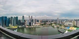 Vista aérea dos arranha-céus em Singapura fotografia de stock royalty free