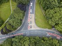 Vista aérea dos carros em uma junção de T Imagem de Stock Royalty Free