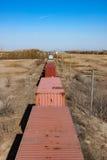 Vista aérea dos recipientes em uma trilha Railway que conduz no Imagens de Stock Royalty Free