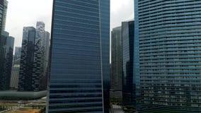 Vista aérea em construções modernas do negócio Opinião do centro da construção do arranha-céus do centro de negócios Arranha-céus vídeos de arquivo